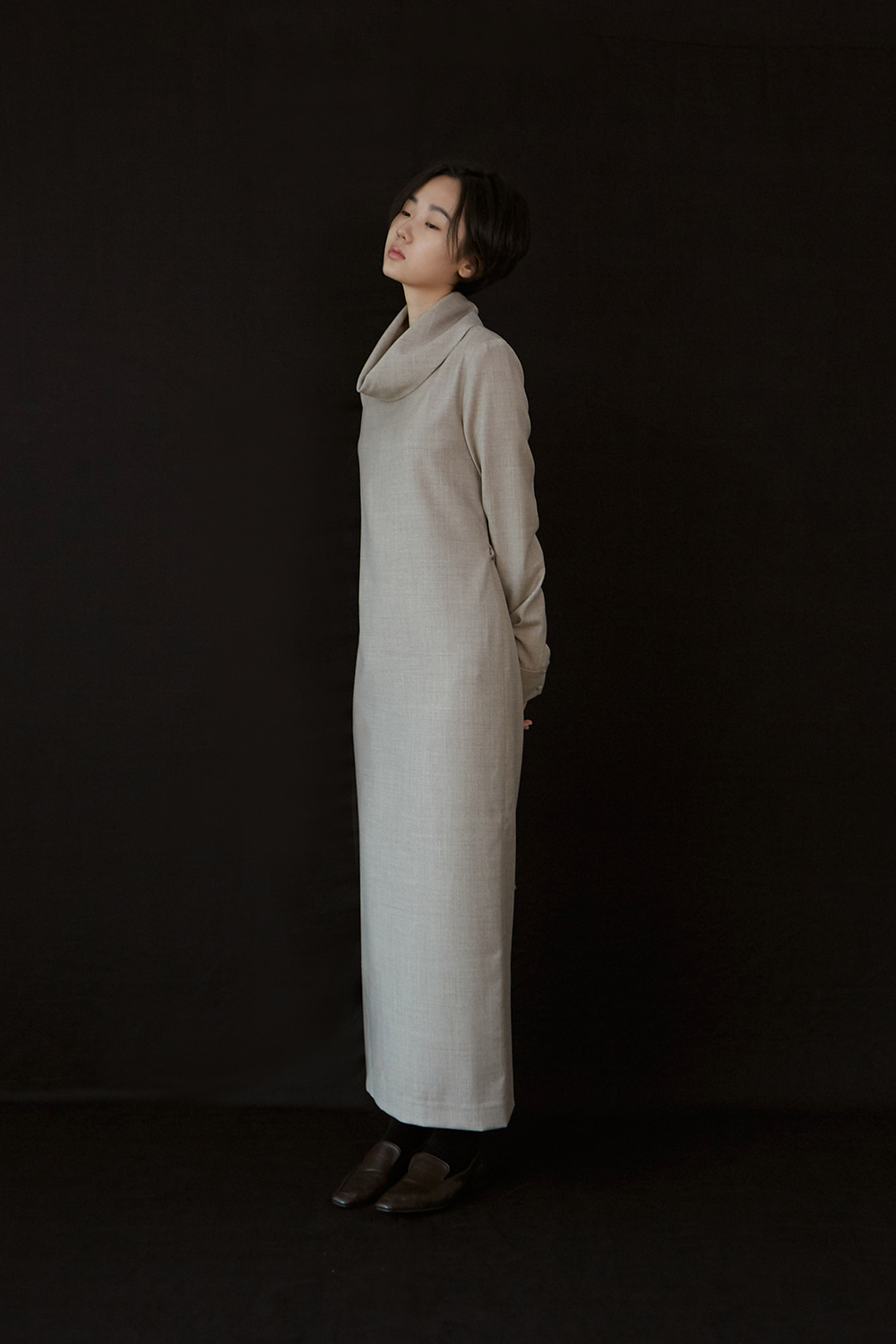 AW19 COWL TURTLENECK WOOL DRESS (OATMEAL)