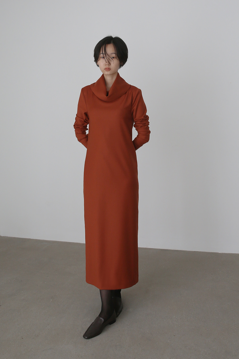 AW19 COWL TURTLENECK WOOL DRESS (BURNT ORANGE)