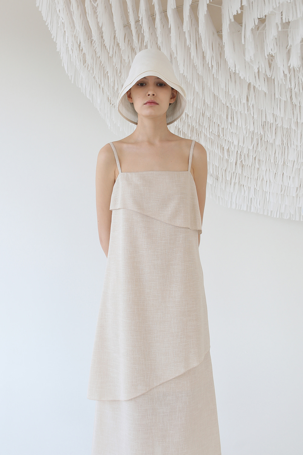 [태연 착용] SS20 TEXTURED LAYER STRAP DRESS (BEIGE)