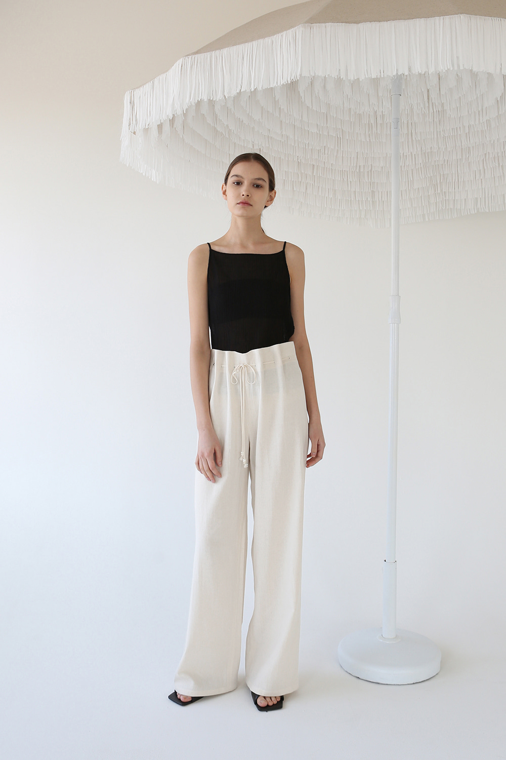 20SS BUTTONHOLE DRAWSTRING WIDE TROUSERS