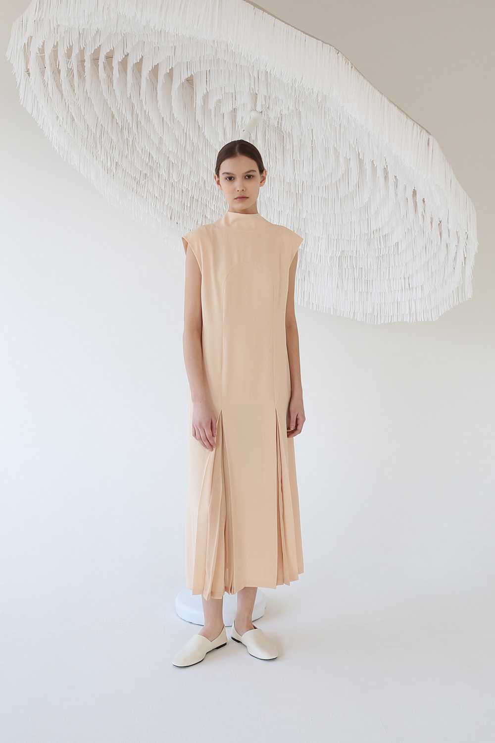 20SS SHEER PLEATED BOW-NECK DRESS (APRICOT)