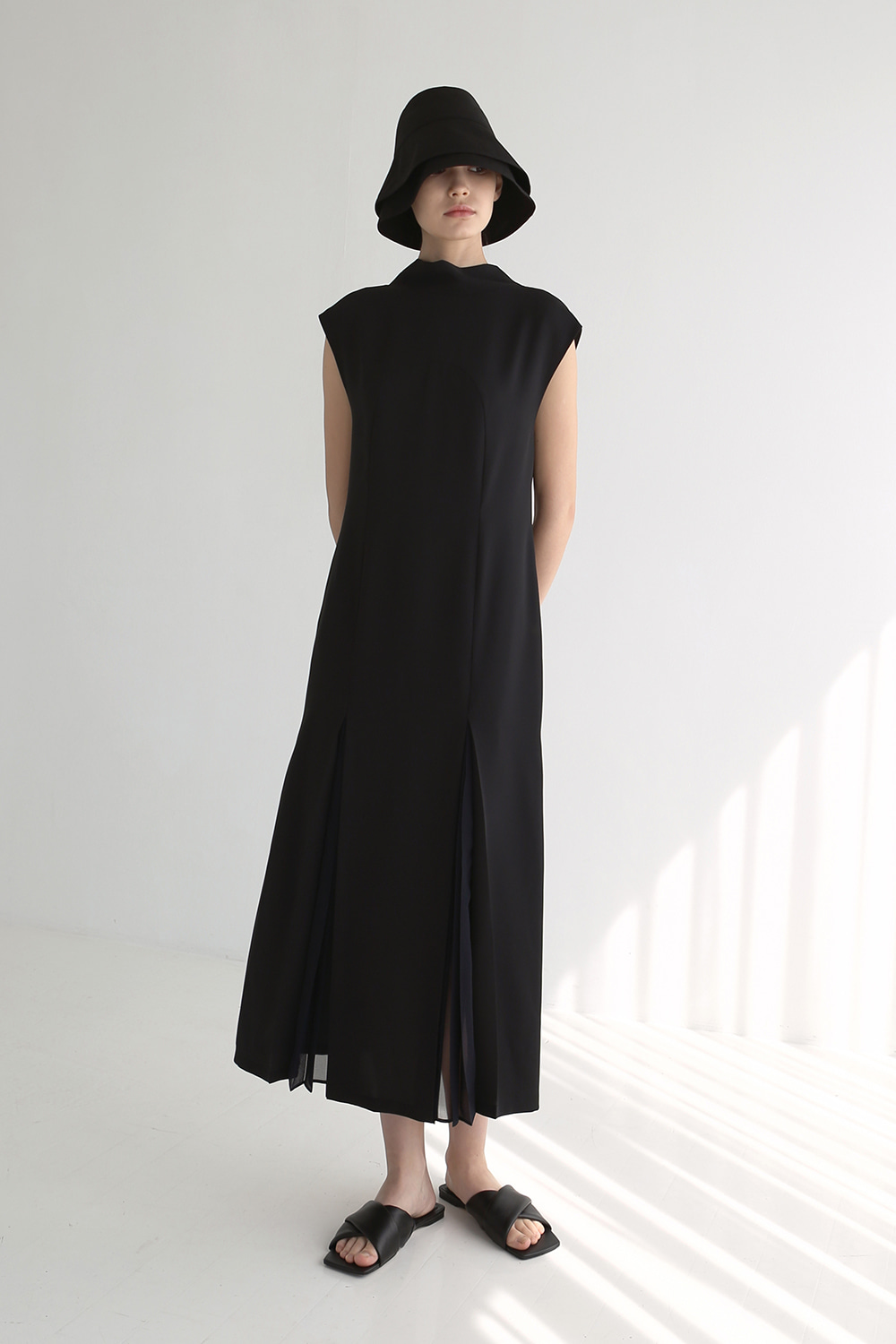 20SS SHEER PLEATED BOW-NECK DRESS (BLACK)